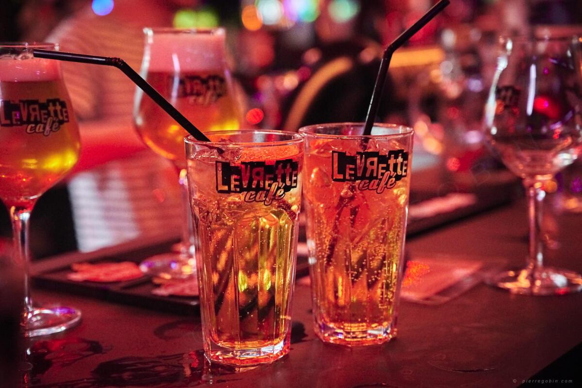 20190405 Levrette Cafe 2 ans 4965