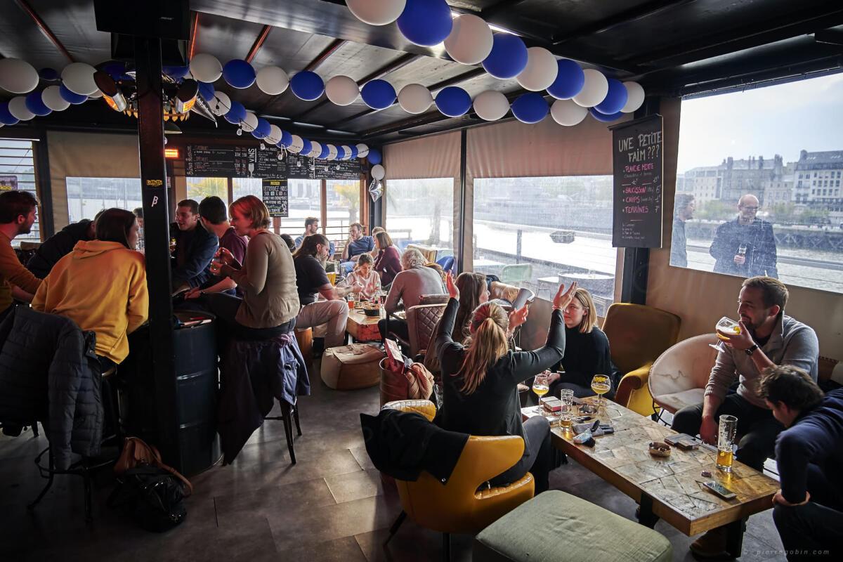 20190406 Levrette Cafe 2 ans 5183