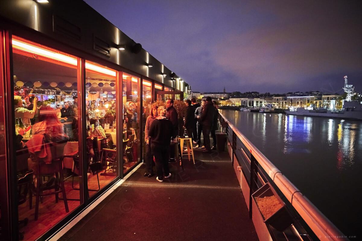 20190406 Levrette Cafe 2 ans 5307